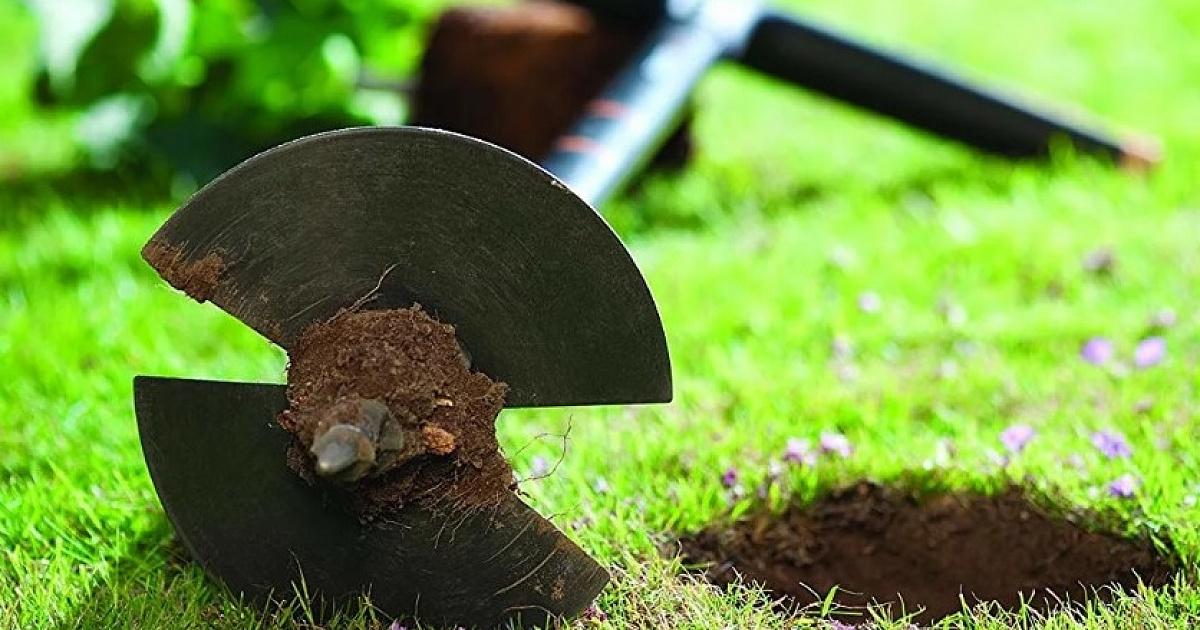 Как сделать садовый бур своими руками